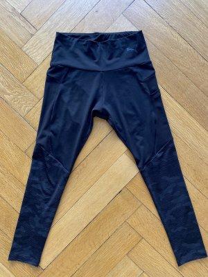 Puma pantalonera negro