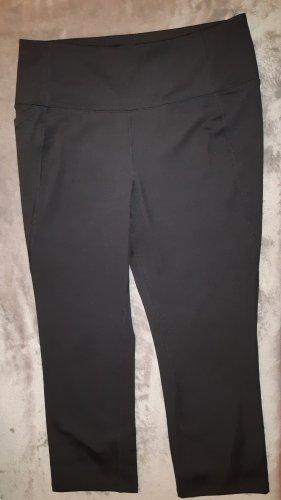Sporthose schwarz mit PushUp Effekt