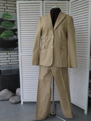 Sportiver Cotton-Anzug von Guy Rover