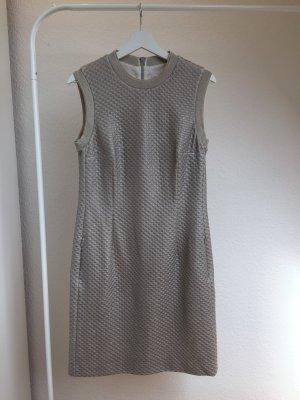 Sportlich-elegantes Kleid