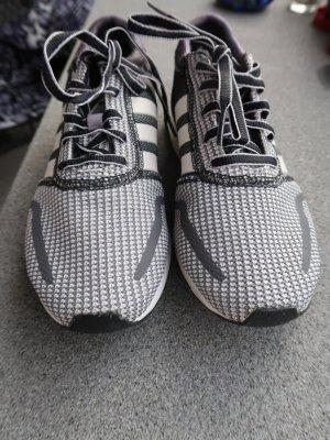Sportlich-schicke Sneaker Gr. 37, schwarz-dunkelgrau-weiss