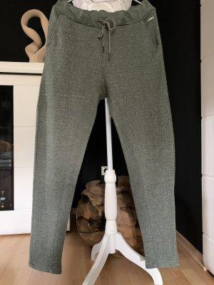 Sportliche/ Relaxhose von Bench mit Eingrifftaschen, Größe L