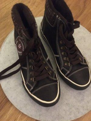 Sportliche Schuhe