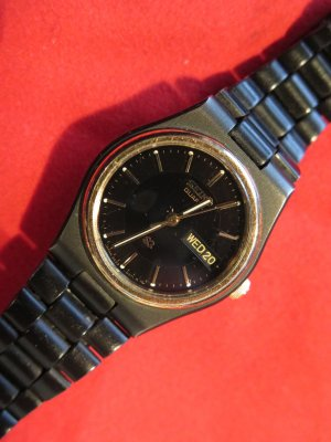 Sportliche Seiko Damen-Uhr mit Datums-Anzeige