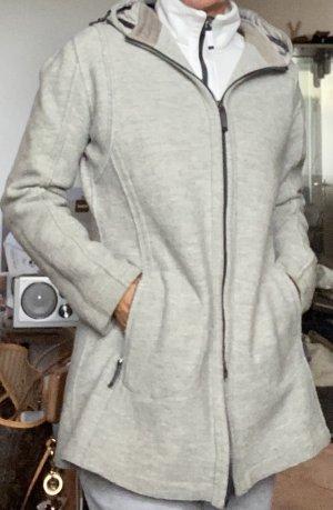 Sportliche Wolljacke des Luxuslabels #Frauenschuh