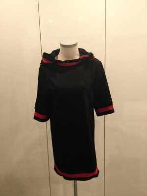 Vestido de tela de jersey negro-rojo ladrillo
