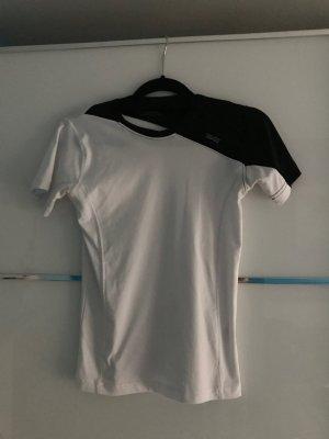 Sports Equipment - Sport T-Shirt Größe 152