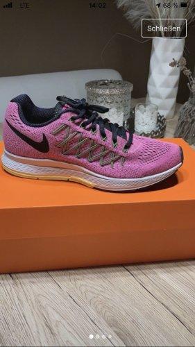 Sportschuh Sneaker Nike
