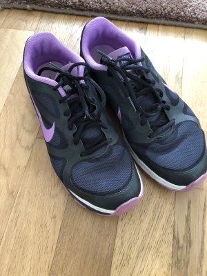 Sportschuhe bon Nike