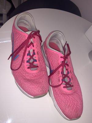 Sportschuhe Nike Größe 38,5