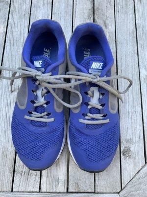 Sportschuhe Nike in blau