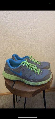Sportschuhe Nike Revolution 2