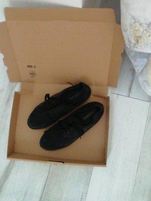 Zapatos de marinero negro