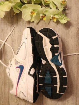 Sportschuhe / weiß / Nike / Running / 38
