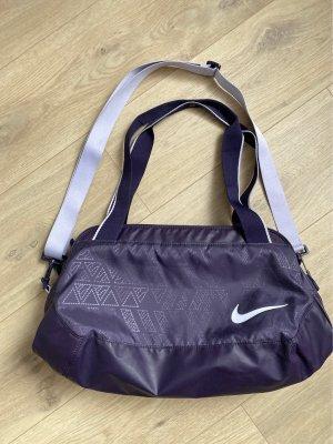 Nike Torba sportowa ciemny fiolet-bladofiołkowy
