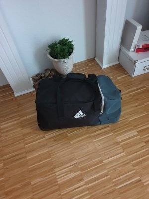 Sporttasche von Adidas