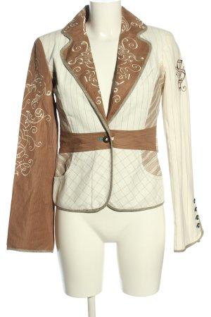 St-martins Blazer corto blanco-marrón Mezcla de patrones look casual