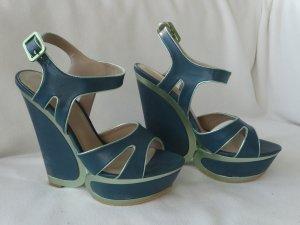 Statement / Fashion / Sculptural Heels in Türkis, 38, Sandaletten, nagelneu, von Humanic