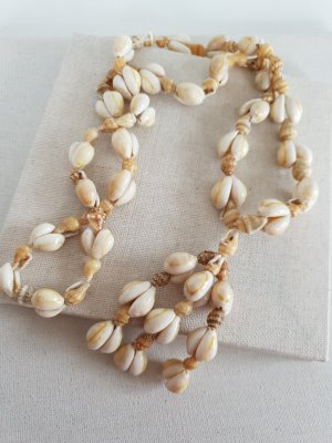 Shell Necklace oatmeal