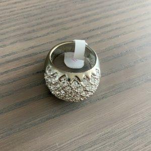Statement Ring mit funkelnden Kristallen