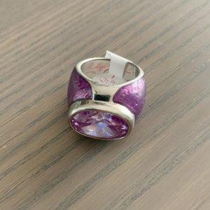 Statement-Ring mit violettem Stein