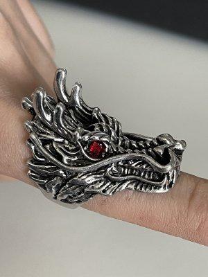 Zdobiony pierścionek srebrny-czerwony