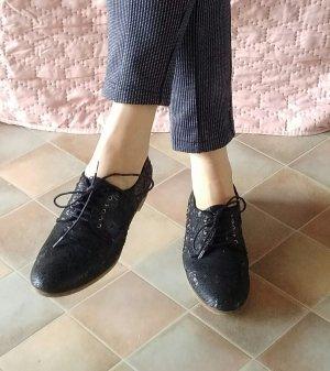 Steffen Schraut Wingtip Shoes black leather