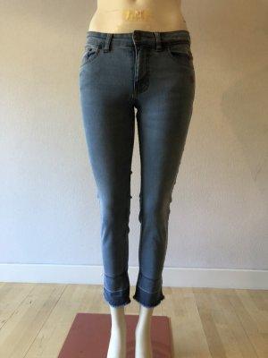 Steffen Schraut Jeans cropped Gr. 34 Schmetterling-Applikationen