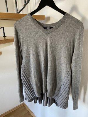 Steffen Schraut sweater