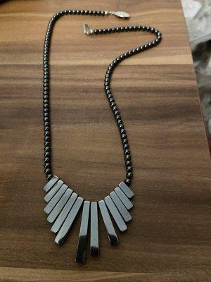 Steine Halskette neuwertig