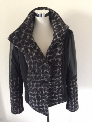 Steppjacke im Materialmix