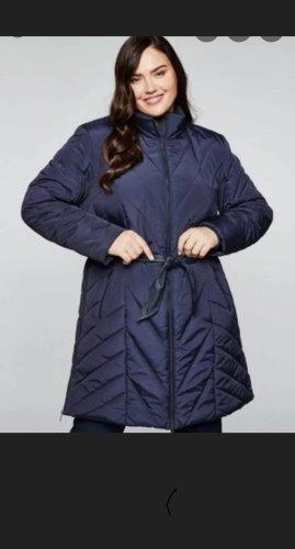 Sheego Gewatteerde jas donkerblauw