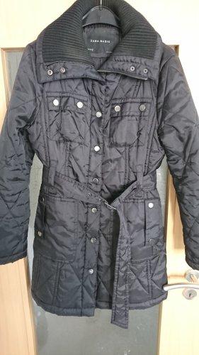 Zara Abrigo acolchado negro