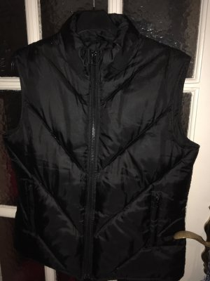 Miss H. Quilted Gilet black