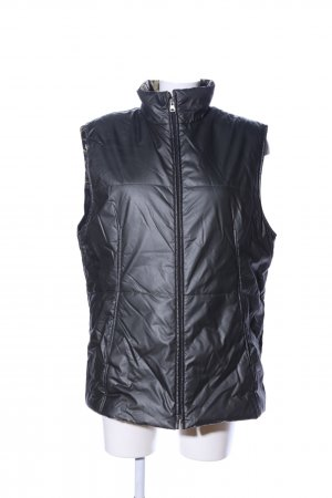 Quilted Gilet black quilting pattern casual look