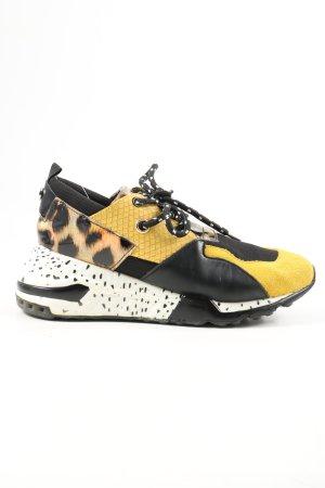 Steve Madden Lace-Up Sneaker leopard pattern casual look