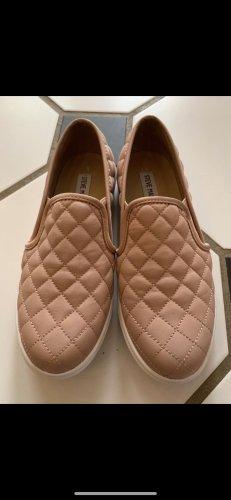 Steve Madden slipper