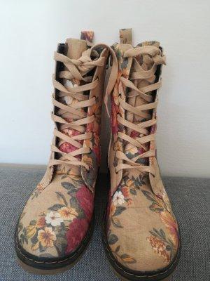 Botas con cordones marrón arena