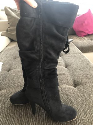 Wysokie buty na obcasie czarny