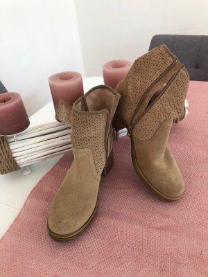 Esprit Stivale a gamba corta marrone Tessuto misto