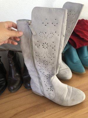 Gotyckie buty jasnoszary