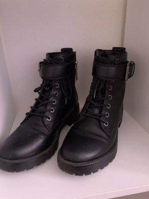 Bershka Korte laarzen zwart