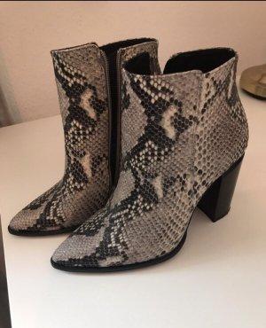 Stiefel/ Boots mit Absatz