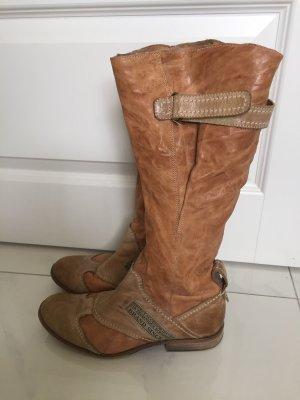 Krótkie buty camel