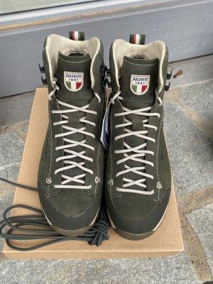 Stiefel  Dolomite