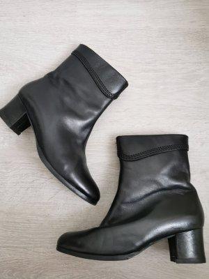 Stiefel Halbstiefel warm schwarz Leder Absatz