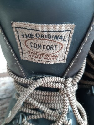 COMFORT THE AUTHENTIC Snow Boots black