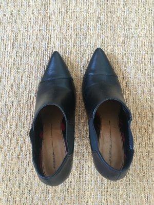 Stiefel mit hohen Absätzen