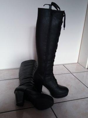 Stiefel mit Plateau
