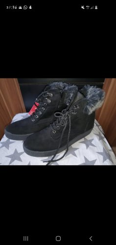 Young Spirit Lace-up Booties black
